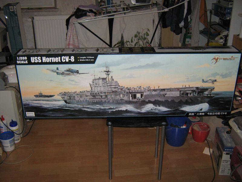 Merit Bausatz Flugzeugträger CV 8 Hornet 1/200 Hornet%20001