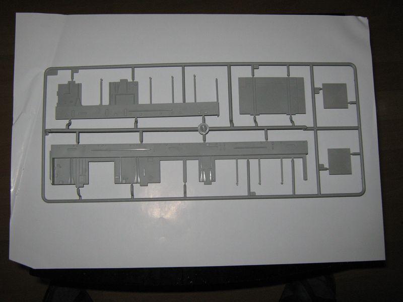 Merit Bausatz Flugzeugträger CV 8 Hornet 1/200 Hornet%20027