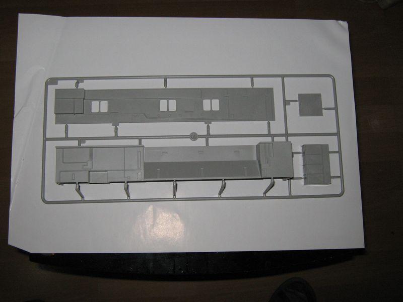 Merit Bausatz Flugzeugträger CV 8 Hornet 1/200 Hornet%20028