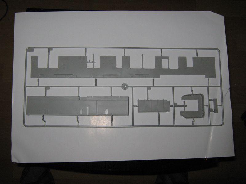 Merit Bausatz Flugzeugträger CV 8 Hornet 1/200 Hornet%20034