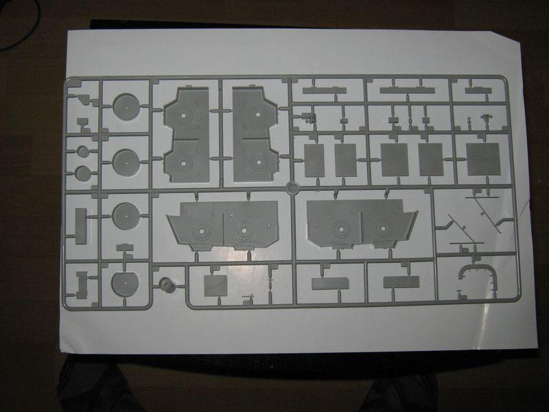 Merit Bausatz Flugzeugträger CV 8 Hornet 1/200 Hornet%20038