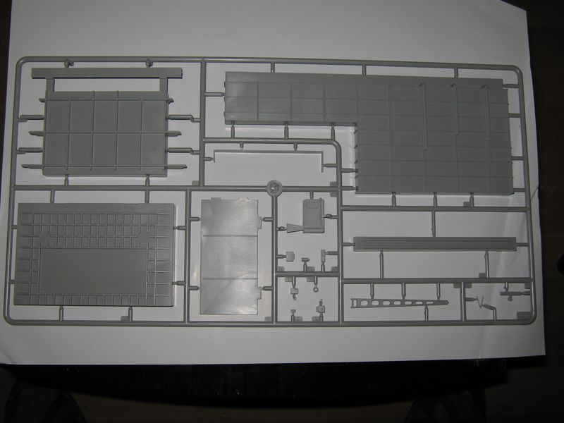 Merit Bausatz Flugzeugträger CV 8 Hornet 1/200 Hornet%20039
