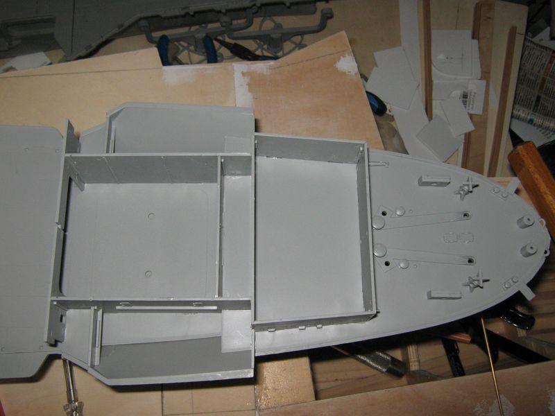 Merit RC Flugzeugträger CV 8 Hornet 1/200 Baubericht - Seite 2 Hornet%20052