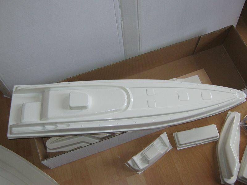 Bausatz der Montega von Robbe  Montega%20004