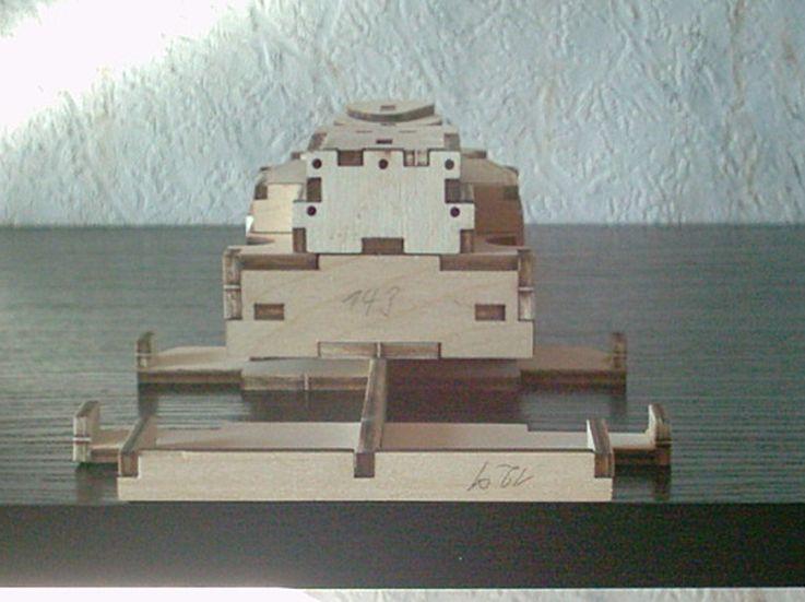 Schlachtschiff Bismarck von Amati 1/200 Bismarck%200033