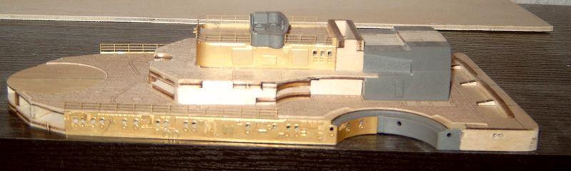 Schlachtschiff Bismarck von Amati 1/200 Bismarck%200046