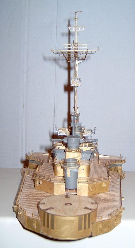 Schlachtschiff Bismarck von Amati 1/200 Bismarck%200054
