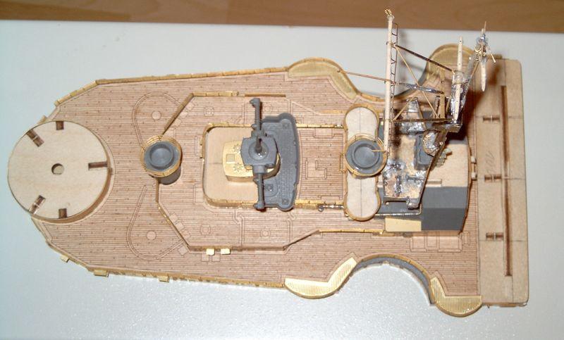 Schlachtschiff Bismarck von Amati 1/200 Bismarck%200057