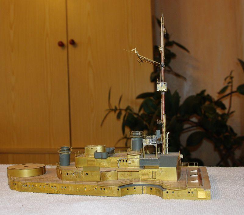 Schlachtschiff Bismarck von Amati 1/200 - Seite 2 Bismarck%200068