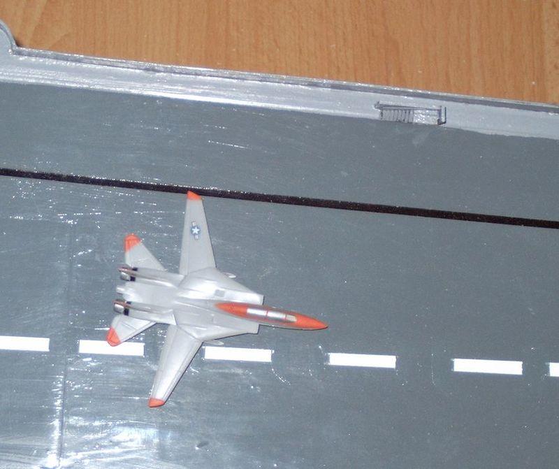 Flugzeugträger Forrestal 1/200 von kaewwantha - Seite 2 Forrestal%200098