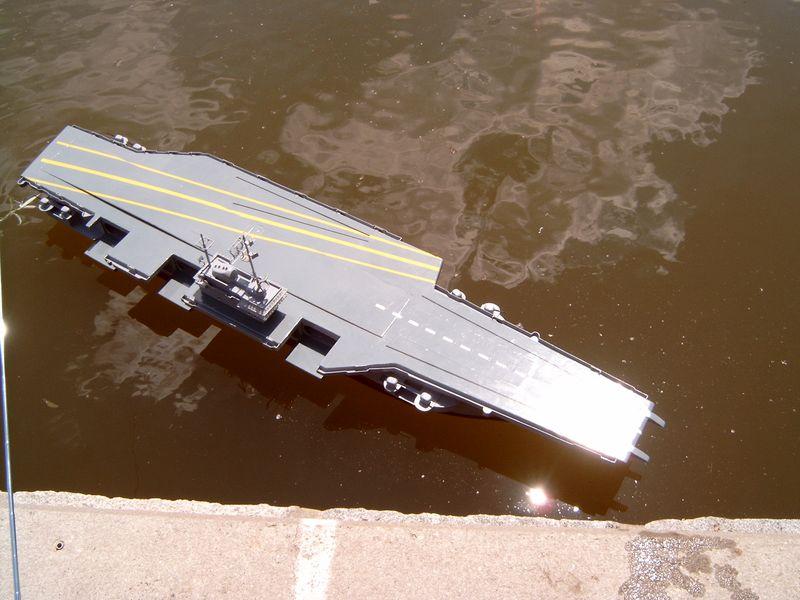 Flugzeugträger Forrestal 1/200 von kaewwantha - Seite 3 Forrestal%200111