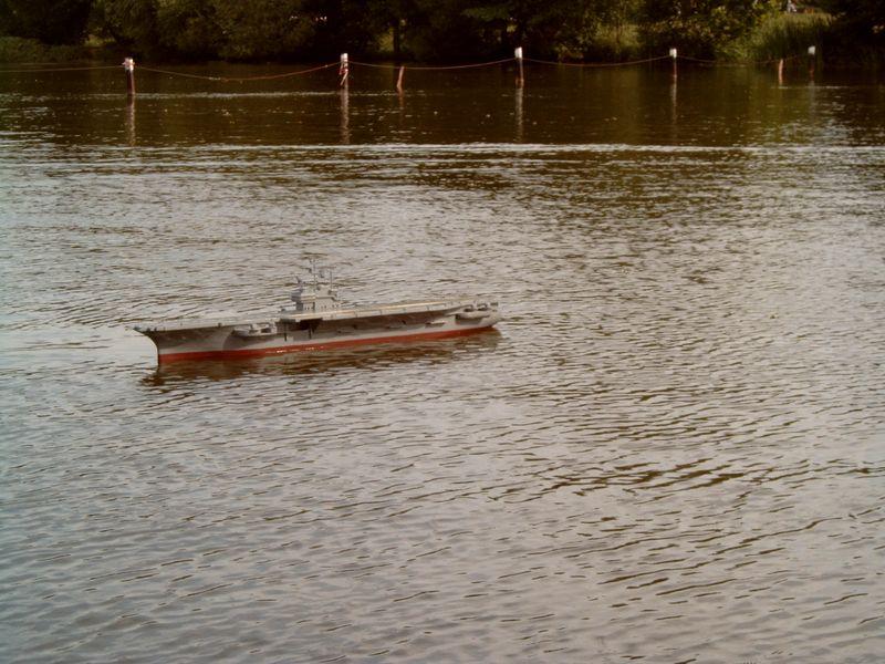 Flugzeugträger Forrestal 1/200 von kaewwantha - Seite 3 Forrestal%200122