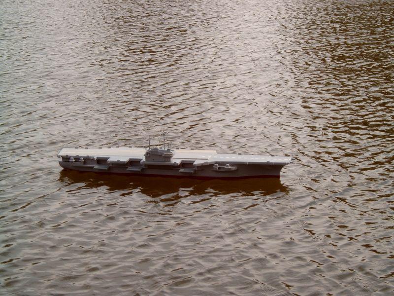 Flugzeugträger Forrestal 1/200 von kaewwantha - Seite 3 Forrestal%200123