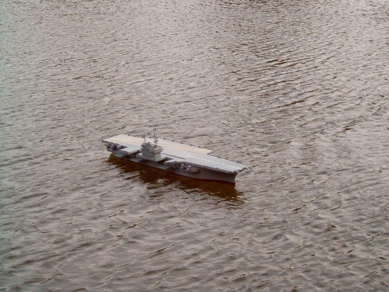 Flugzeugträger Forrestal 1/200 von kaewwantha - Seite 3 Forrestal%200124