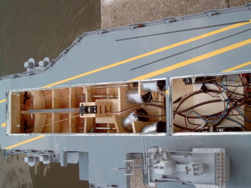 Flugzeugträger Forrestal 1/200 von kaewwantha - Seite 3 Forrestal%200125