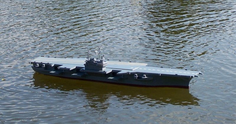 Flugzeugträger Forrestal 1/200 von kaewwantha - Seite 3 Forrestal%200131