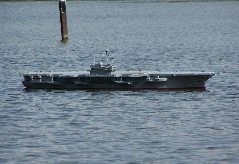 Flugzeugträger Forrestal 1/200 von kaewwantha - Seite 3 Forrestal%200133