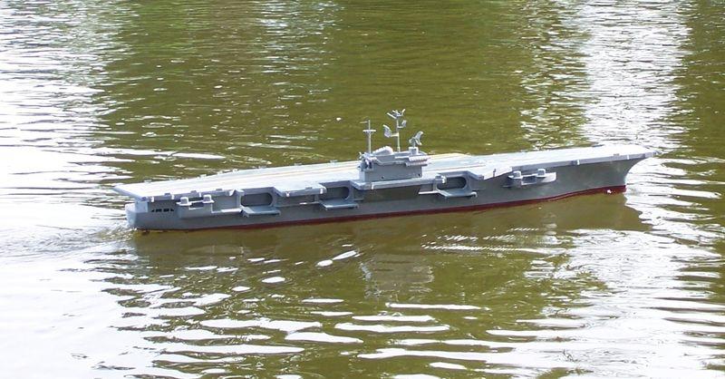 Flugzeugträger Forrestal 1/200 von kaewwantha - Seite 3 Forrestal%200135