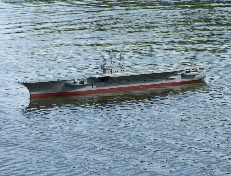 Flugzeugträger Forrestal 1/200 von kaewwantha - Seite 3 Forrestal%200137