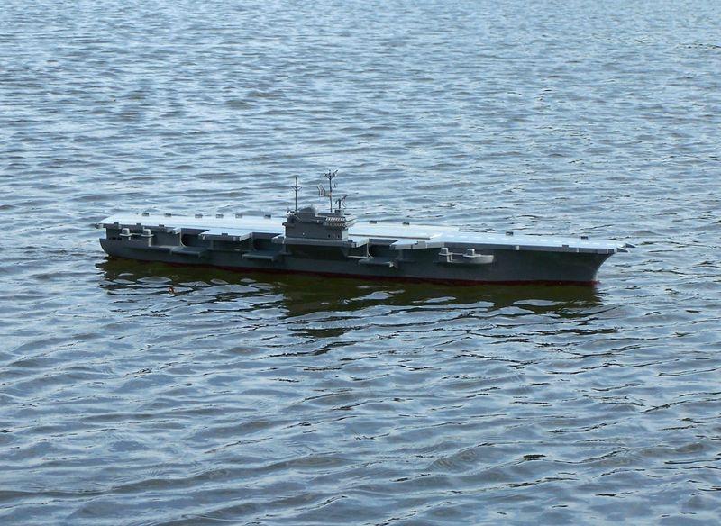 Flugzeugträger Forrestal 1/200 von kaewwantha - Seite 3 Forrestal%200138