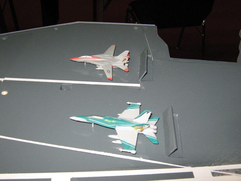 Flugzeugträger Nimitz 1/200 von kaewwantha - Seite 3 Nimitz%200164