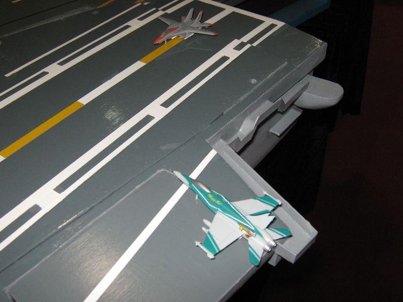 Flugzeugträger Nimitz 1/200 von kaewwantha - Seite 3 Nimitz%200165